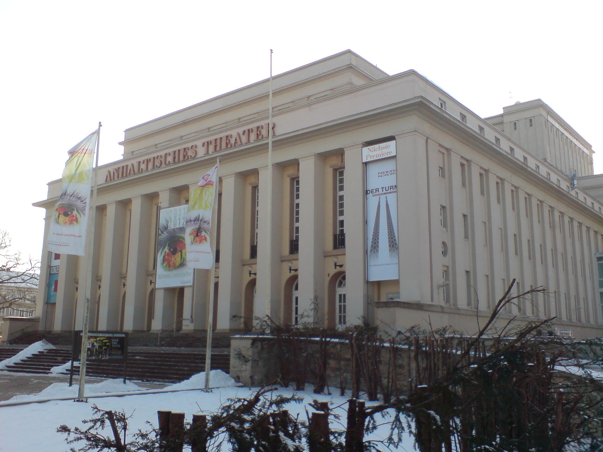 anhaltinisches-theater-dessau.JPG