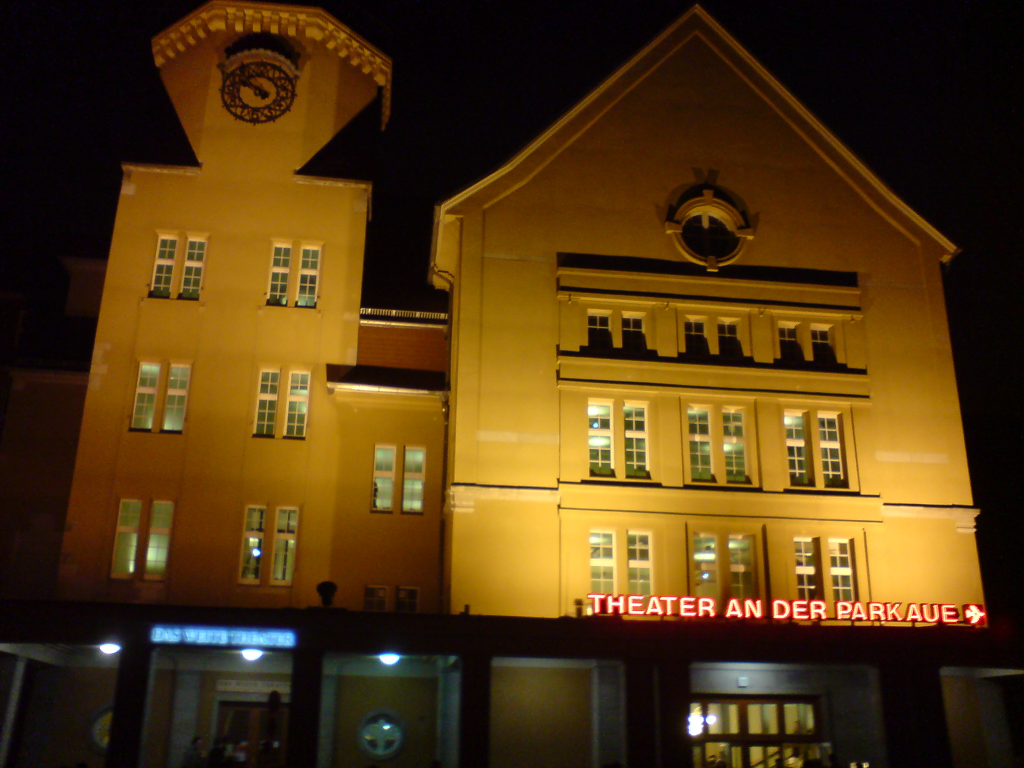 theater-in-der-parkaue.JPG