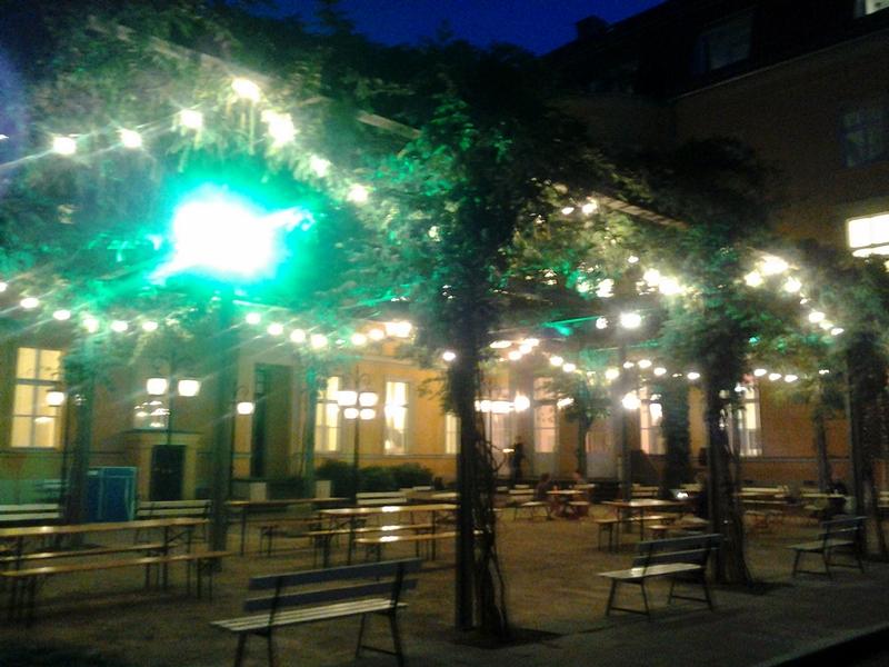 tanz-im-august-2012_podewil-sommergarten.jpg