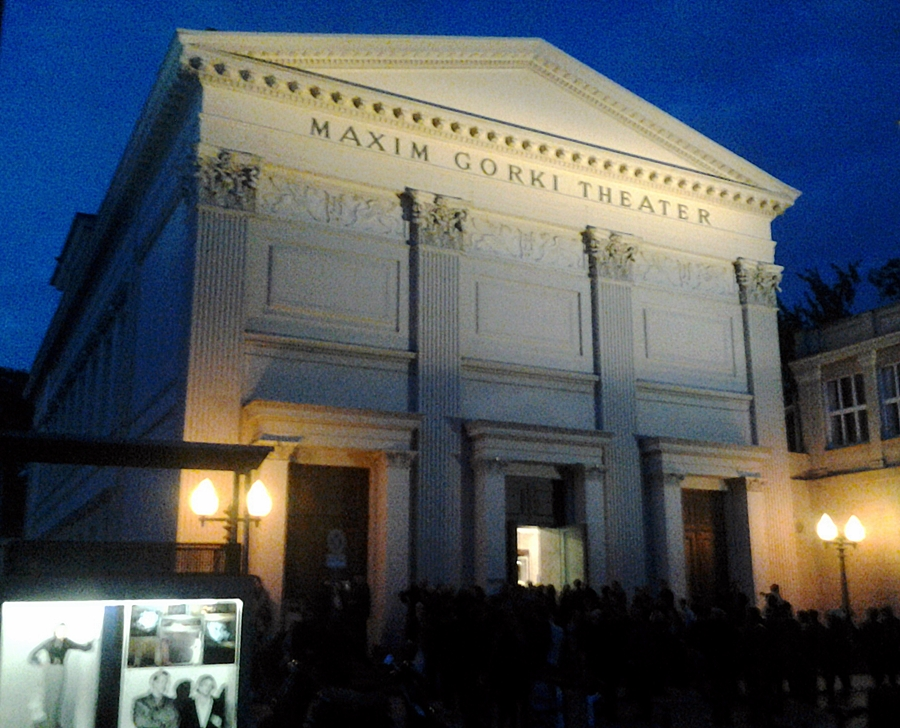 maxim-gorki-theater_oktober-2012.jpg