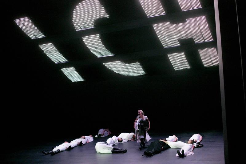 centraltheater-leipzig_krieg-und-frieden_ich.jpg