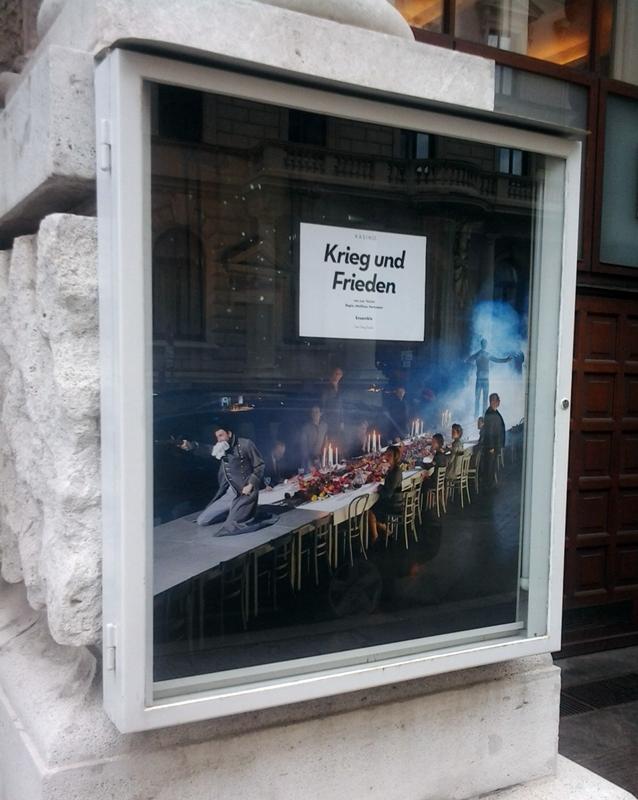 wien-2011_krieg-und-frieden-im-kasino.jpg