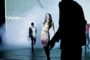 Sebastian Hartmann inszeniert nach Shakespeares Was ihr wollt und dem Nackten Wahnsinn. Premiere: 19. November 2011.