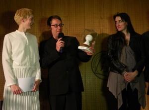 Yvonne Büdenhölzer, Michael Thalheimer und Constanze Becker bei der tt-Stempelübergabe Foto: St. B.