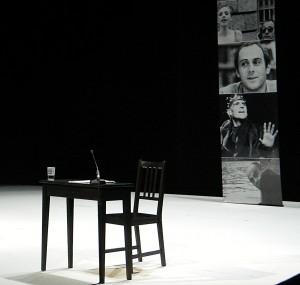 Brasch-Lesung auf der Bühne des Berliner Ensembles - Foto: St. B.