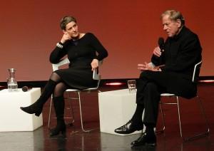 """Felicitas Hoppe und Claus Peymann: """"Alkohol war ja auch die österreichische Art, die 68er durchzuziehen.""""  - Foto: St. B."""