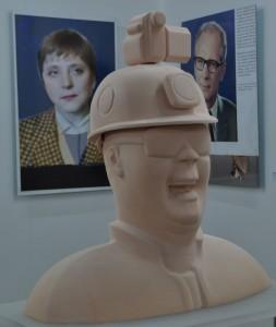 Skulptur des Kunstkontakters Konstantin Schneider