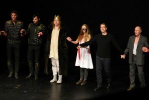 Michael Thalheimer beim Premierenapplaus der Jungfrau von Orleans am DT - Foto: St. B.