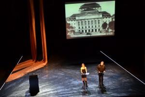 Lea Ruckpaul und Albrecht Goette bei der Feierstunde am Staatsschauspiel Desden. - Foto: St. B.