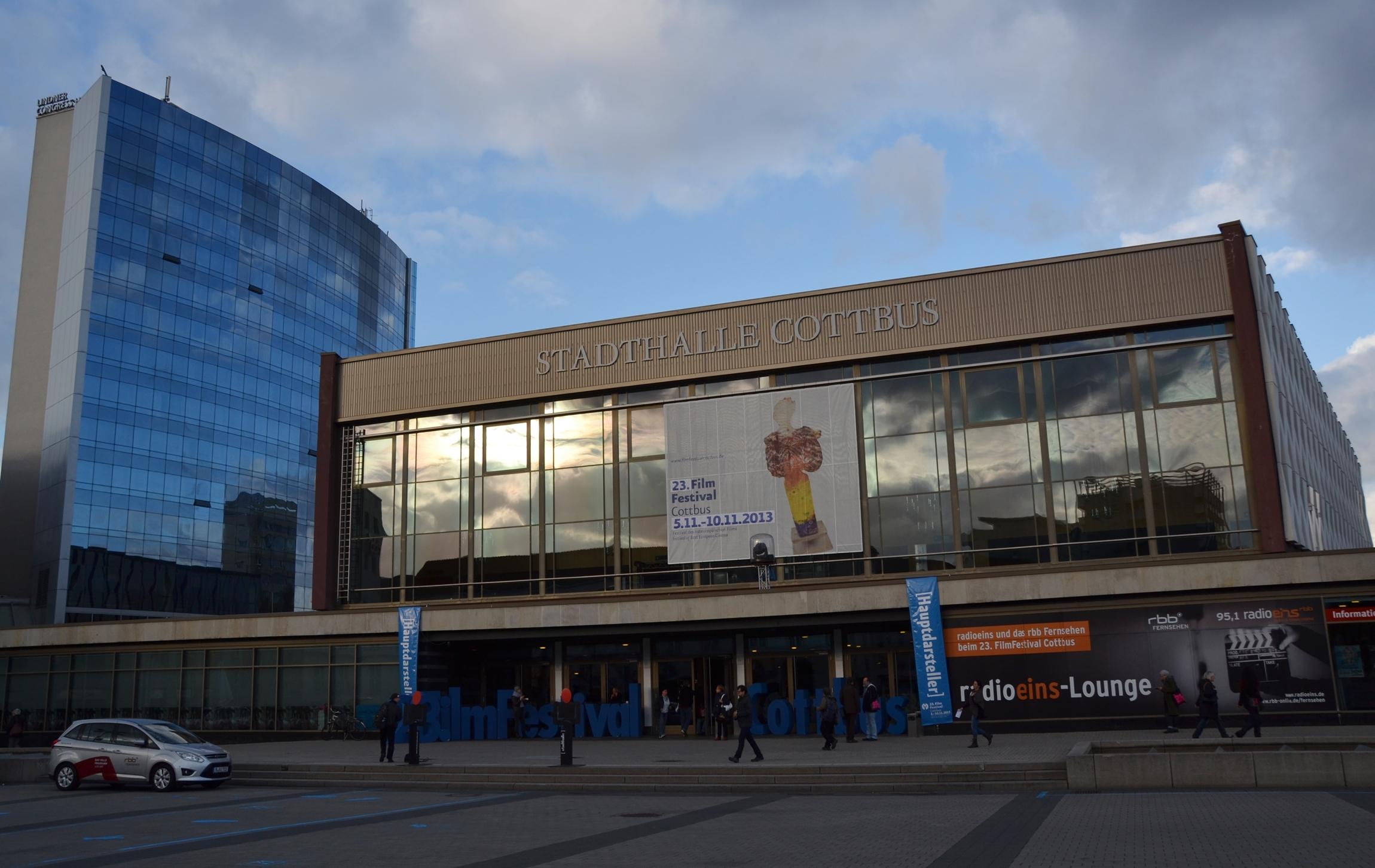 Stadthalle Cottbus enkelt parti
