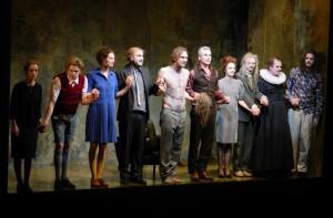 Das Ensemble des Tartuffe beim Premierenapplaus in der Schaubühne - Foto: St. B.