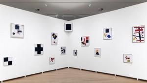 Kazimir Malevich And The Russian Avant-Garde, Installation view. Foto © Gert Jan van Rooij, Stedelijk Museum Amsterdam