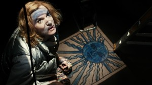 ART GIRLS mit Inga Busch als Nikita - Foto (c) achtung berlin