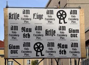 Glamour, Lüge, Krise mit Balzac an der Berliner Volksbühne am Rosa-Luxemburg-Platz Foto: St. B.