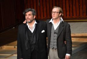 Bruno Cathomas und Mirco Kreibich im Ballhaus Ost Foto: St. B.