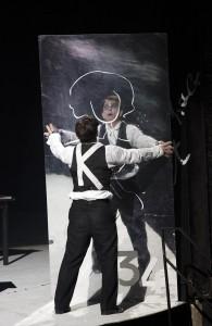 Kafkas Prozeß am Berliner Ensemble - Veit Schubert als josef K. © Foto: Lucie Jansch
