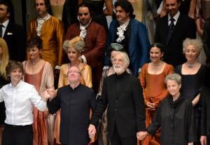 Herzlicher Premieren applaus für das Produktionsteam um Michael Haneke - Foto: St. B.
