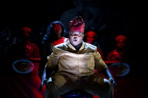 Macbeth - Owen Metsileng als Macbeth Foto: Nicky Newman