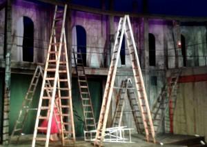 Wie es euch gefällt. Verloren im Leiterwald des Amphitheater - Foto: St. B.