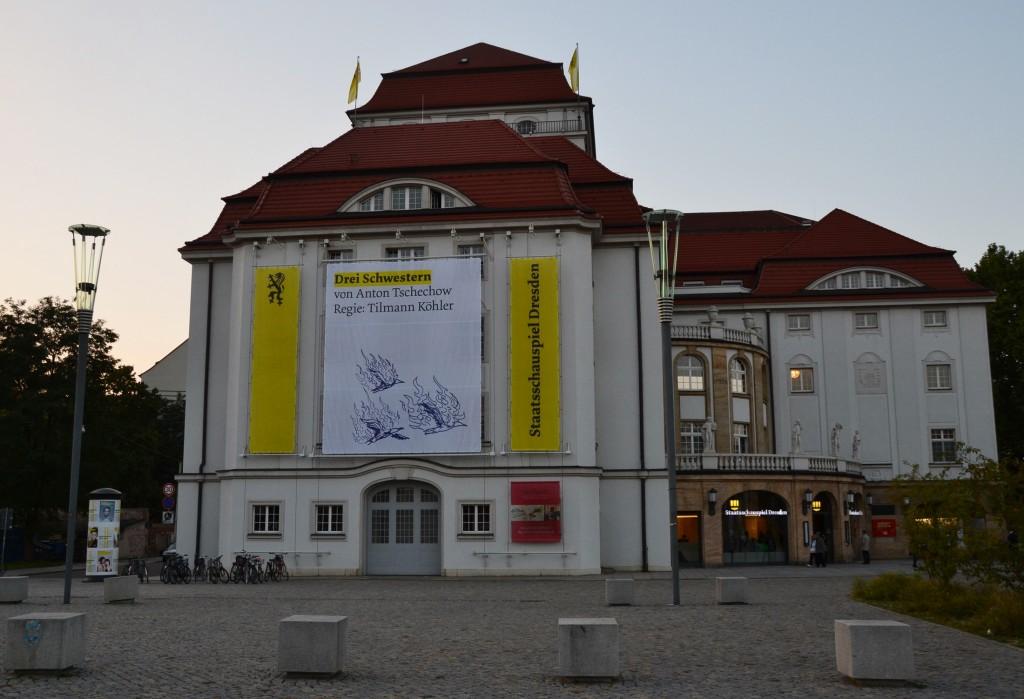 Drei Schwestern am Staatsschauspiel Dresden - Foto: St. B.