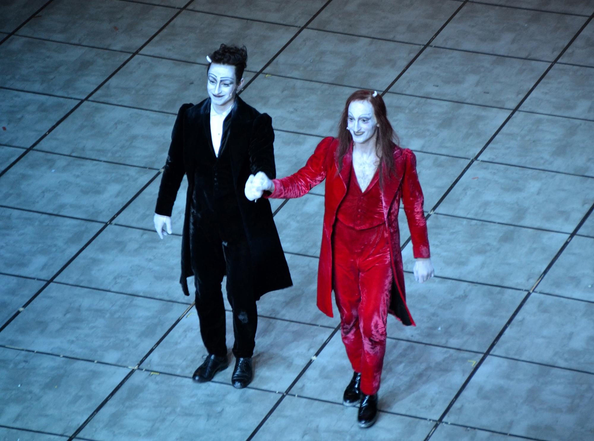 FAUST I und II am BE - Fabian Stromberg und Christopher Nell beim Premierenapplaus - Foto: St. B.