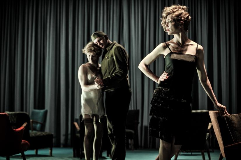 Die Ehe der Maria Braun in der Schaubühne am Lehniner Platz | Foto (C) Arno Declair