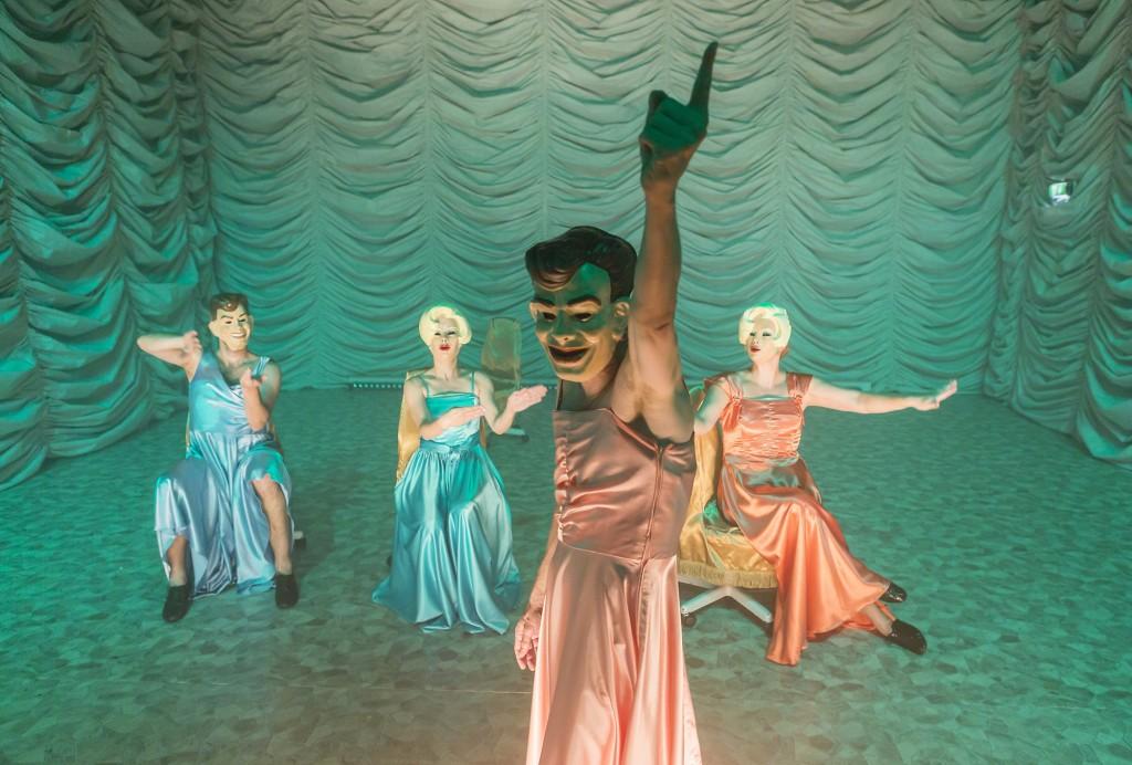 Die Ermüdeten oder Das Etwas, das wir sind von Bernhard Studlar am Schauspiel Leipzig - Foto (C) Rolf Arnold