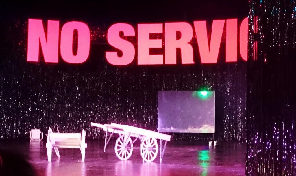 Service-No Service_Volksbühne_Bühne_Dez. 2015