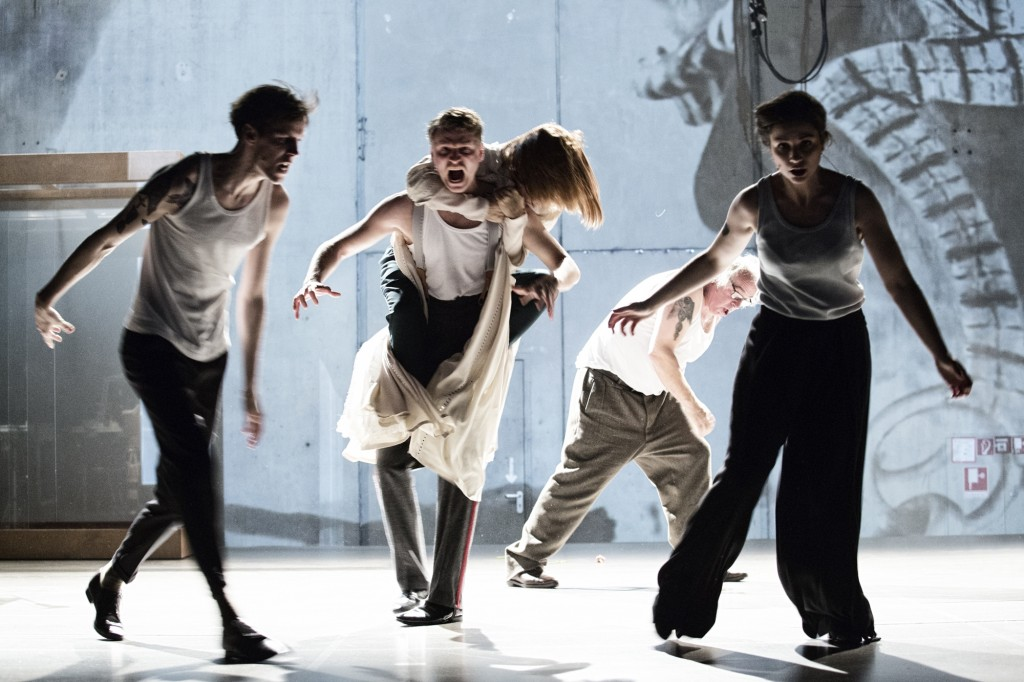 Ungeduld des Herzens in der Schaubühne am Lehniner Platz - Foto (C) Gianmarco Bresadola
