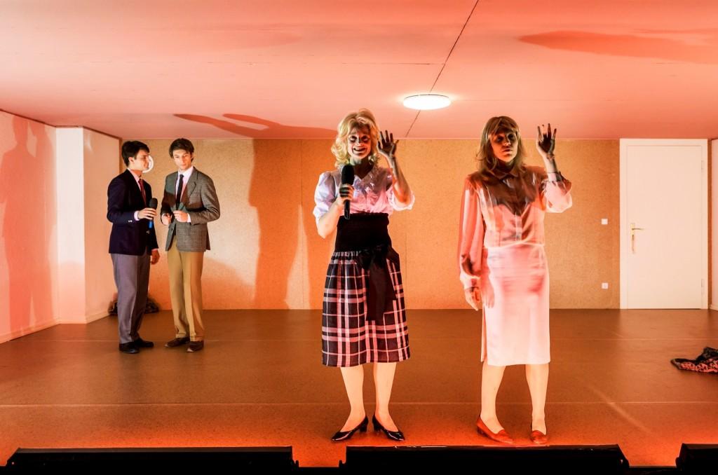 Drei sind wir am Schauspiel Leipzig - Foto (c) Rolf Arnold