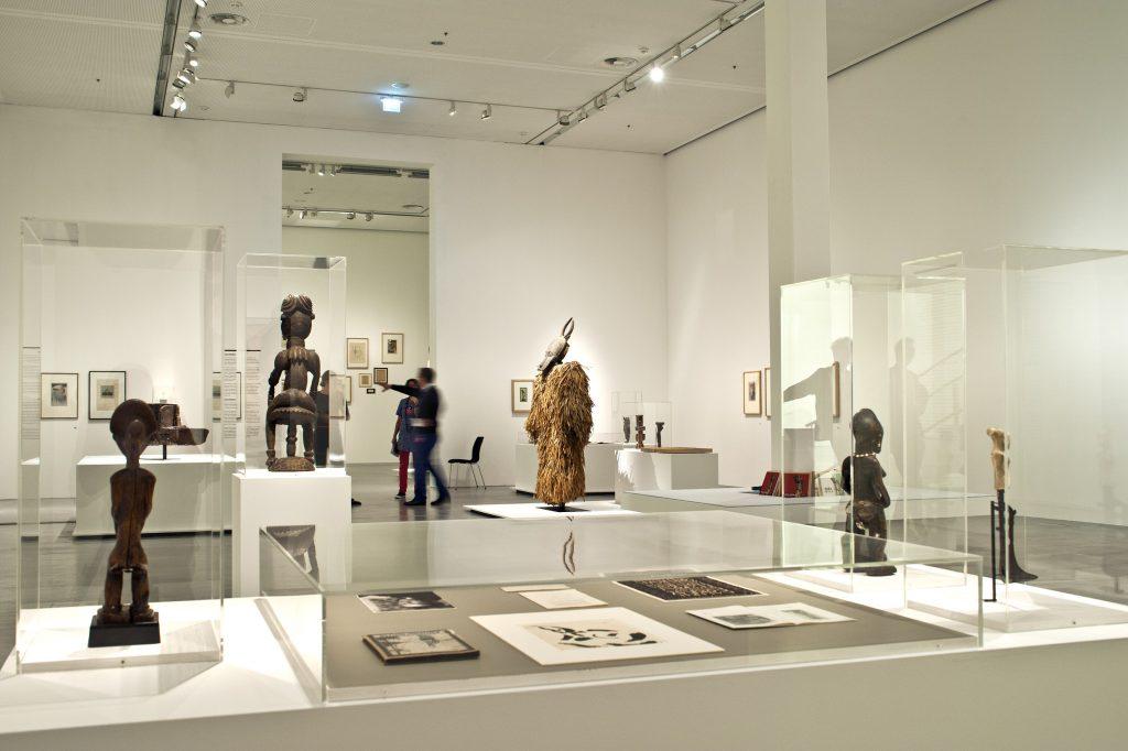 Dada Afrika - Dialog mit dem Fremden, Ausstellungsansicht, Berlinische Galerie - Foto © Ralf Herzig
