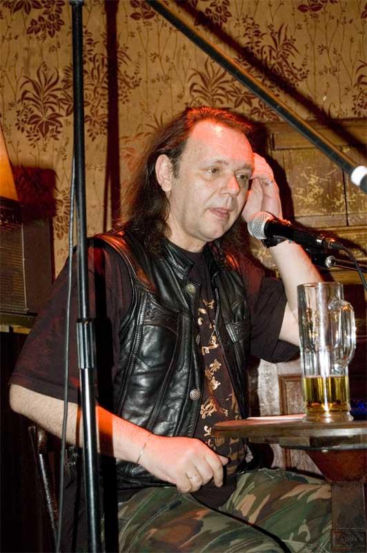 Bert Papenfuß Gorek 2007 bei einer Lesung im Kaffee Burger - Foto (c) Ordu Oğuz