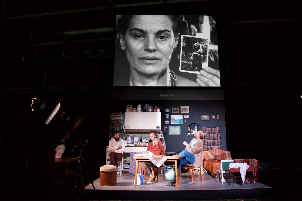 Empire von Milo Rau in der Berliner Schaubühne - Foto (c) Marc Stephan